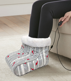 MICRO FLANNEL FOOT WARMER CARDINALS